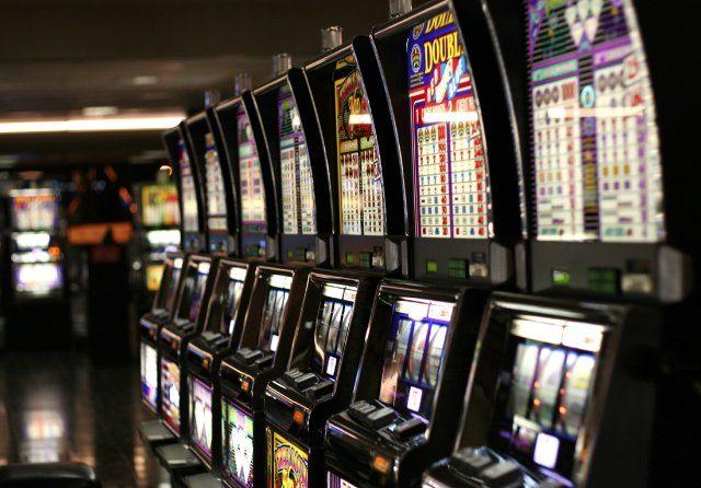 Первые ставки в онлайн казино ДжойКазино и отзывы о клубе