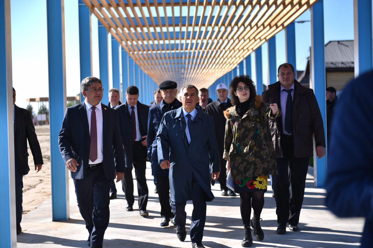 Рустам Минниханов посетил обновленную набережную в Лаишево (ФОТО)