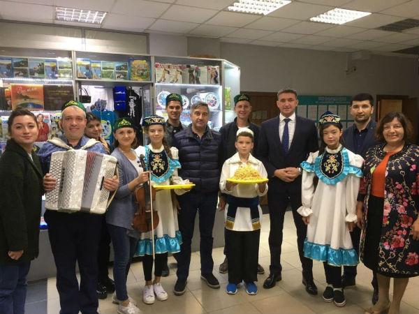 Чак-чак в виде рыбы, пельмени с кетой и проблемы татар Сахалина