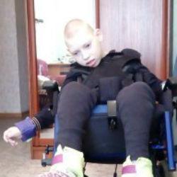 Жительница Татарстана бросила ребенка-инвалида, когда он был малышом, отец воспитывает его в одиночку