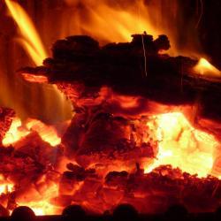 В Татарстане горит архив поликлиники. 200 человек эвакуированы