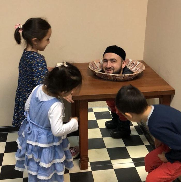 Муфтий Татарстана повеселил своих детей «отрезанной» головой (ФОТО)