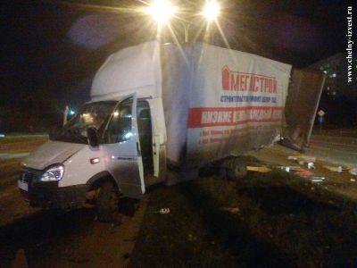 Легковушка и грузовик столкнулись в Татарстане: один из водителей погиб (ФОТО, ВИДЕО)