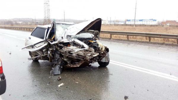 Трое госпитализированы после жуткой аварии на трассе в Татарстане (ФОТО)