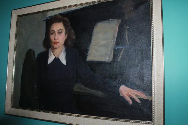 В музее Татарской филармонии хранятся картины. Каждая со своей историей (ФОТО)