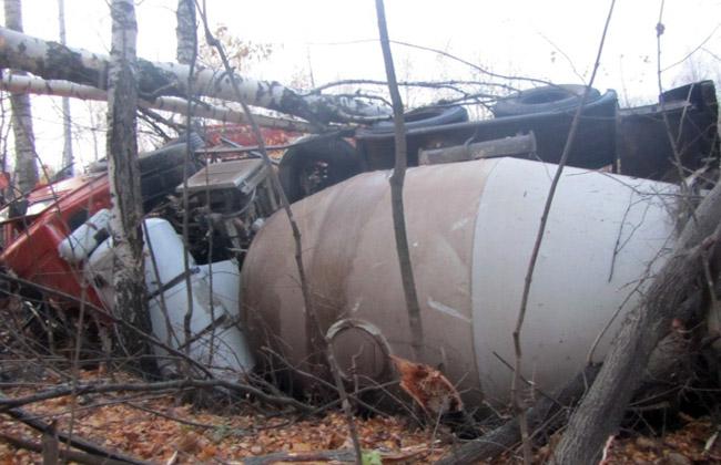 В Татарстане в перевернувшемся КАМАЗе погиб 32-летний водитель (ФОТО)
