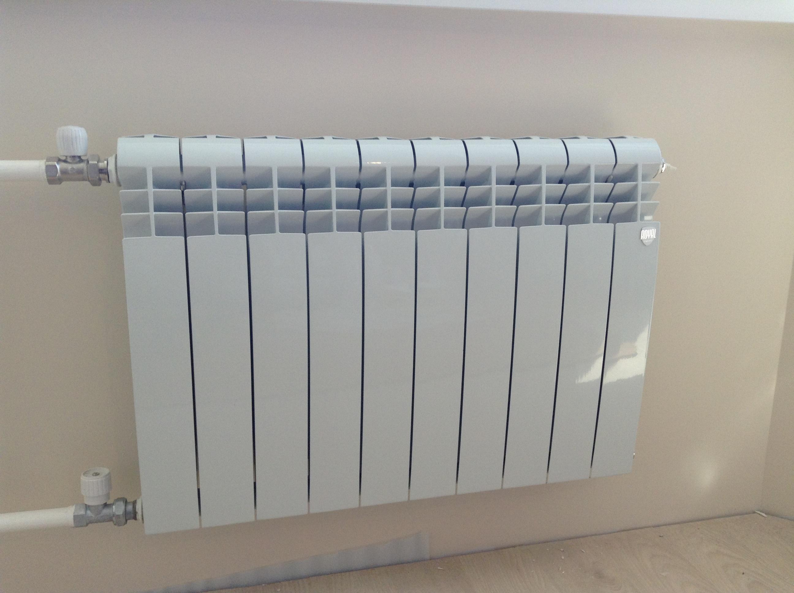 Биметаллические радиаторы для обогрева дома
