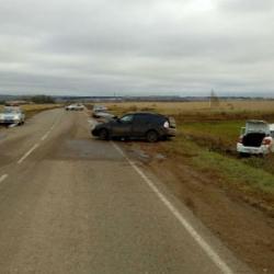 Появились ФОТО аварии с тремя пострадавшими в Татарстане
