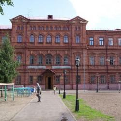 В Казани вновь эвакуировали школу