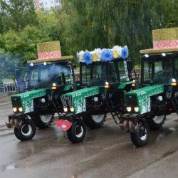 Танцы на тракторах устроили в Татарстане (ВИДЕО)
