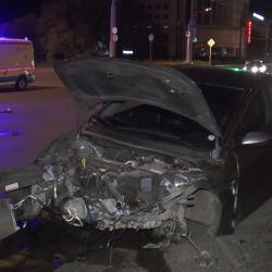 В Казани Audi на высокой скорости снес пол автомобиля Hyundai: водитель чудом остался жив