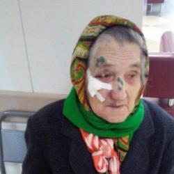 Врачи 7-й горбольницы доставили домой потерявшуюся бабушку-ветерана войны