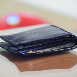 Снятие денег с обезличенных карт и электронных кошельков будет запрещено