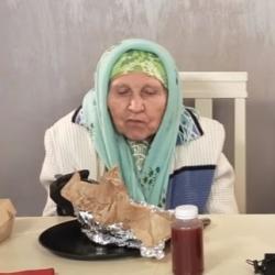 Татарские бабушки протестировали «хайповую еду» (ВИДЕО)