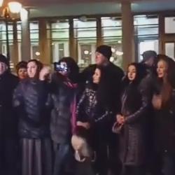 В центре Казани артисты провели флешмоб в защиту татарского языка (ВИДЕО)