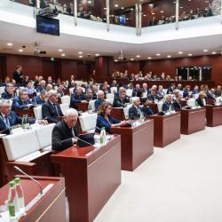 В Татарстане предельный возраст госслужащих продлили до 70 лет