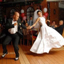 Жених выкрал гонорар у тамады на собственной свадьбе