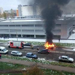 В Татарстане на оживленной улице полностью выгорел автомобиль