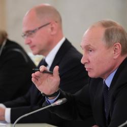 Вопрос строительства мусоросжигательных заводов довели до Путина