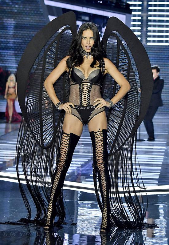 «Мисс Татарстан-2010» не пустили в Китай для участия в шоу «Victoria s Secret»