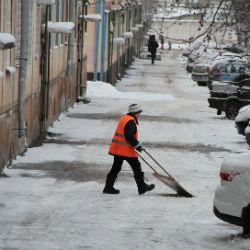 В Татарстане учителю татарского предложили стать дворником