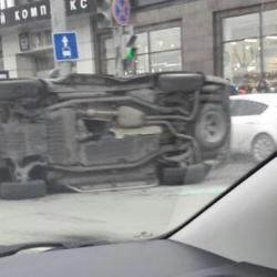 Появилось видео ДТП с внедорожником в центре Казани