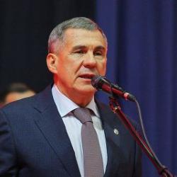 Рустам Минниханов награжден Орденом «Славы и чести»