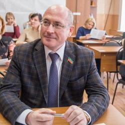 Ирек Шарипов: «В Конституции России сказано, что республики вправе устанавливать свои государственные языки»