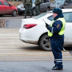 В ГИБДД подтвердили право россиян снимать полицейских на видео