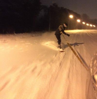 Экстремал в Татарстане катался на сноуборде, зацепившись за автомобиль (ФОТО)