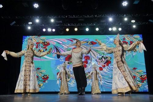 В Казани выступил заслуженный государственный академический ансамбль песни и танца «Донбасс»