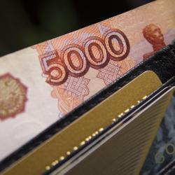Чиновники Татарстана получают меньше, чем коллеги из Башкирии и Самары