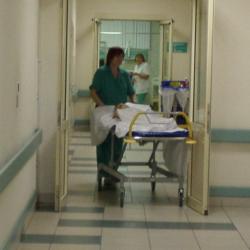 Чудом выжившей под колесами самосвала девочке в Татарстане нужны деньги на лечение