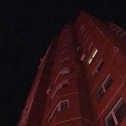 По крыше жилого дома ночью ходила 85-летняя женщина