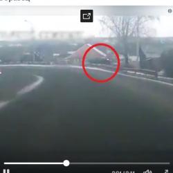 Водитель лишился головы, протаранив кирпичную стену дома (ВИДЕО момента жуткой аварии)