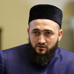 Старейшины вступили в борьбу за татарский язык: Госдуме предложили сделать его вторым государственным в России