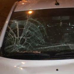 В Казани при проезде под пешеходным мостом на пр. Победы на «Ладу» упал крупный кусок наледи