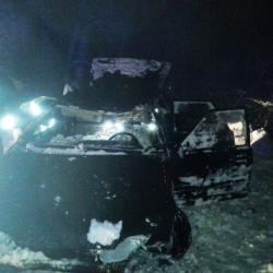 В Татарстане легковушка опрокинулась в кювет и загорелась, уходя от погони (ФОТО)