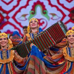 В Казани состоялся юбилейный концерт Госансамбля песни и танца Татарстана