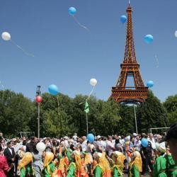 Суд признал законными штрафы исполкому Казани за Сабантуй в Париже