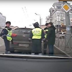 Казанский суд признал виновным военного следователя, наехавшего на инспектора ГИБДД