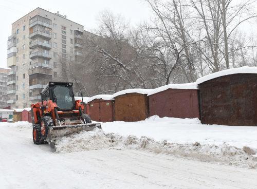 Метшин позвал чиновников «пройтись ногами» по заснеженной Казани