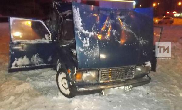 В ночной аварии в Казани пять человек пострадали и один погиб (ФОТО)