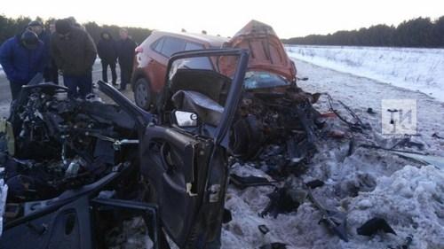 Среди пострадавших в смертельной аварии в Татарстане пятилетний ребенок и беременная (ФОТО)