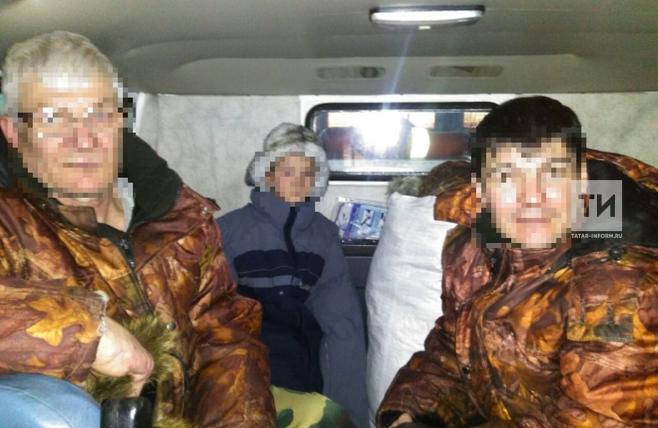 На Каме двое мужчин и ребенок провалились в полынью на самодельном мотоцикле