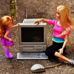 Недетские развлечения: чем опасен интернет для детей