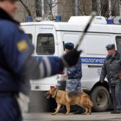 Спасателям Татарстана сообщили о заминированной машине во дворе жилого дома