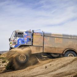 Экипаж Дмитрия Сотникова на «КАМАЗе» стал первым на восьмом этапе ралли «Дакар-2018»
