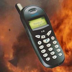 По сообщению о заложенном взрывном устройстве эвакуируют ТЦ «Сувар Плаза»