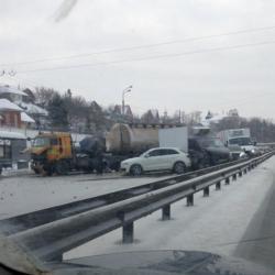 Это Майбах, братан! Крупное ДТП в Казани с участием семи машин (ВИДЕО)